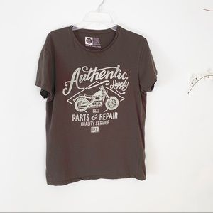 b9512c46 Cedar Wood State. Authentic Supply Graphic Motorcycle T-Shirt M